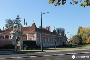 El <em>Palácio de Palhavã</em> y la <em>Praça de Espanha</em>