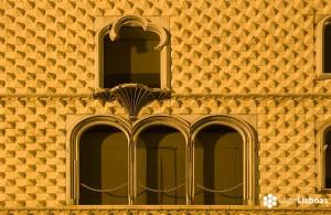 """Imagen de la Casa dos Bicos, sede de la Fundação José Saramago, realizada por el fotógrafo Nuno Cardal, publicada en su libro """"Lisboa Iluminada"""" y cedida a sieteLisboas."""