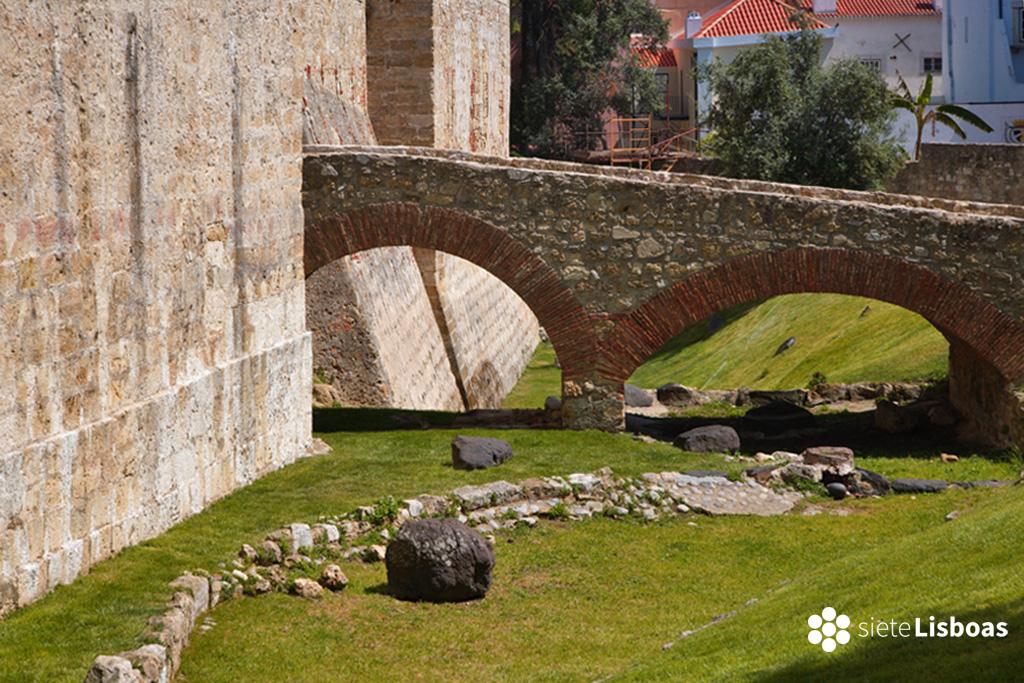 """Imagen del Castillo de San Jorge realizada por el fotógrafo Nuno Cardal, publicada en su libro """"Lisboa Panoramas"""" y cedida a sieteLisboas."""