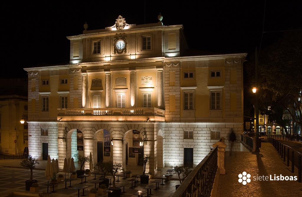 """Imagen del Teatro São Carlos de Lisboa del fotógrafo Nuno Cardal, publicada en su libro """"Lisboa Iluminada"""" y cedida a sieteLisboas."""