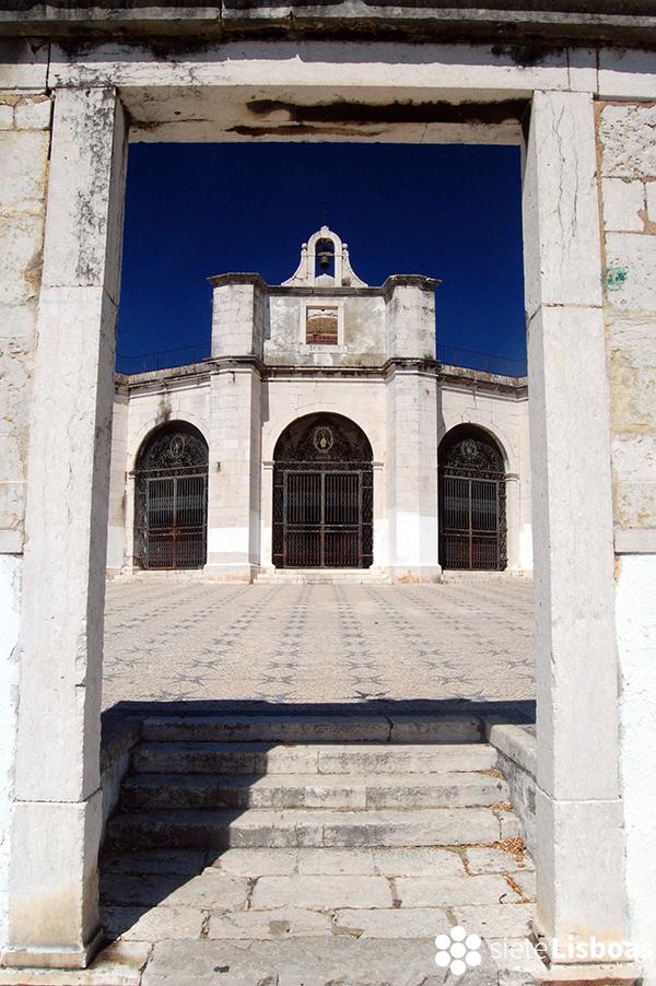 Fotografía de la entrada a la 'Capela de Santo Amaro', tomada por Antoaneta Roman y cedida a sieteLisboas.