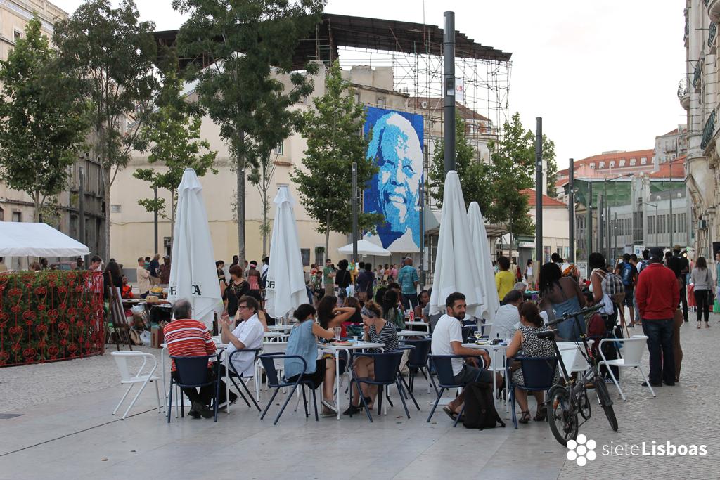 Fotografía de la 'Mostra de Artes Africanas', en el 'Largo de Intendente' tomada por sieteLisboas.
