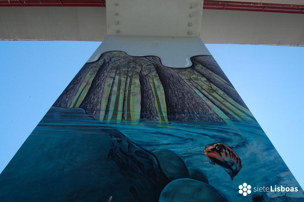 Fotografía de una de las pinturas murales del Puente 25 de Abril, tomada por Antoaneta Roman y cedida a sieteLisboas.