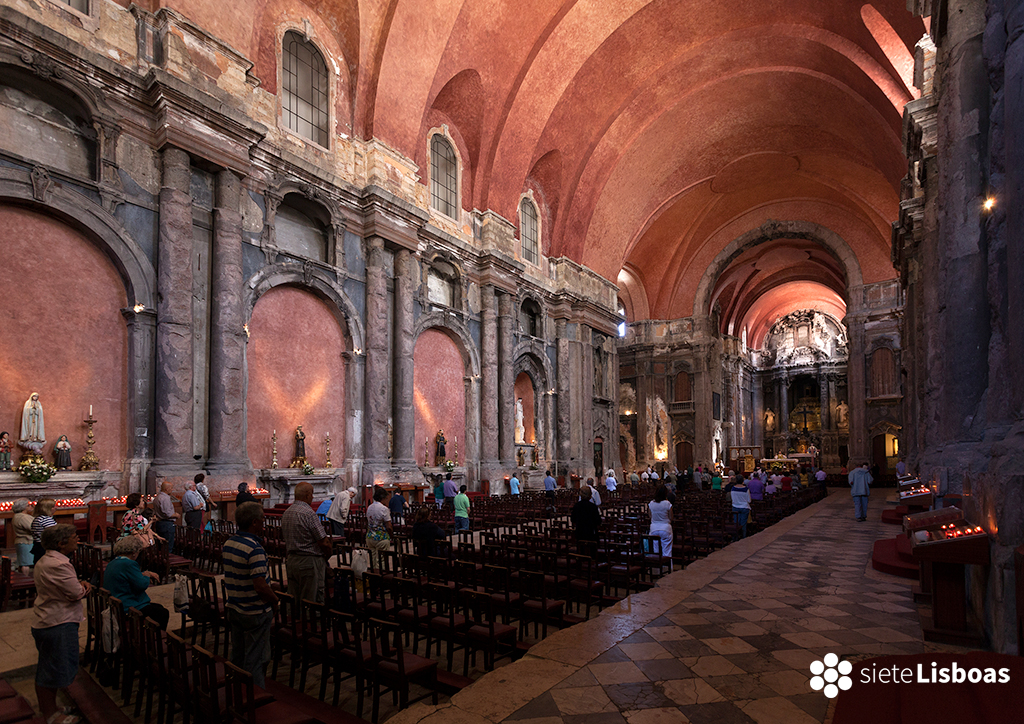 Imagen tomada en la 'Igreja de São Domingos' por el fotógrafo Diego Opazo, cedida a sieteLisboas.