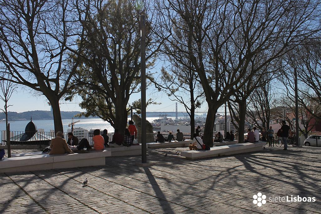 Imagen del 'Miradouro de Santa Catarina' tomada por sieteLisboas.