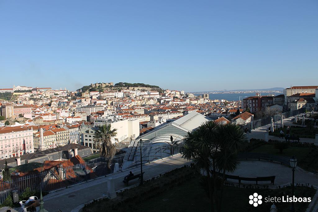Fotografía tomada desde el 'Miradouro de São Pedro de Alcântara' por sieteLisboas.